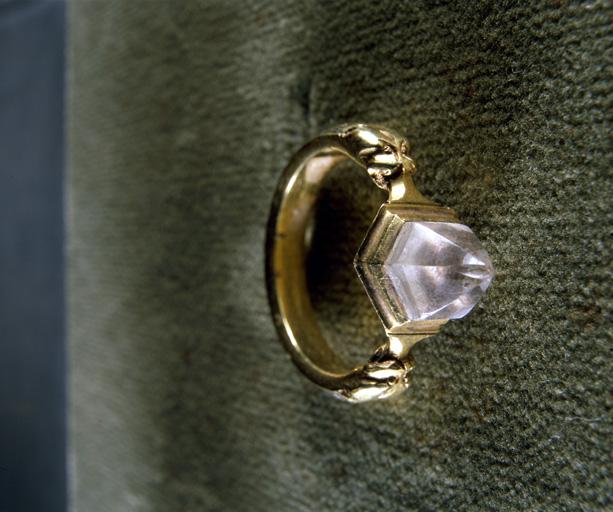 Bague d'évêque (n° 1), anneau épiscopal