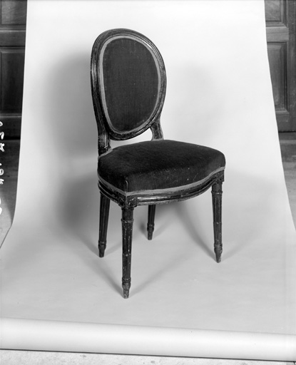 chaises (2) : sièges en cabriolet
