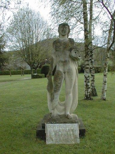 Statue (colossal) : La Source