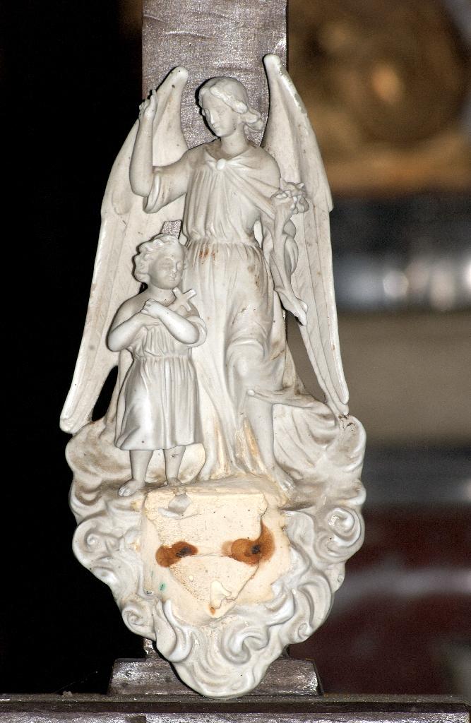 bénitier d'applique : L'Ange gardien