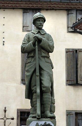 """statue de """"Poilu"""" de la guerre de 1914-1918"""