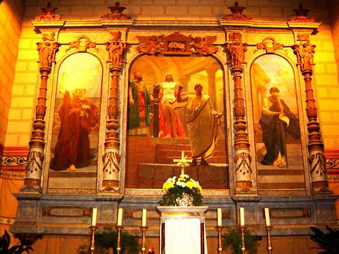 Retable architecturé à arcatures du maître-autel, de style néo-Renaissance