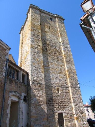 château épiscopal, actuellement hôtel de ville