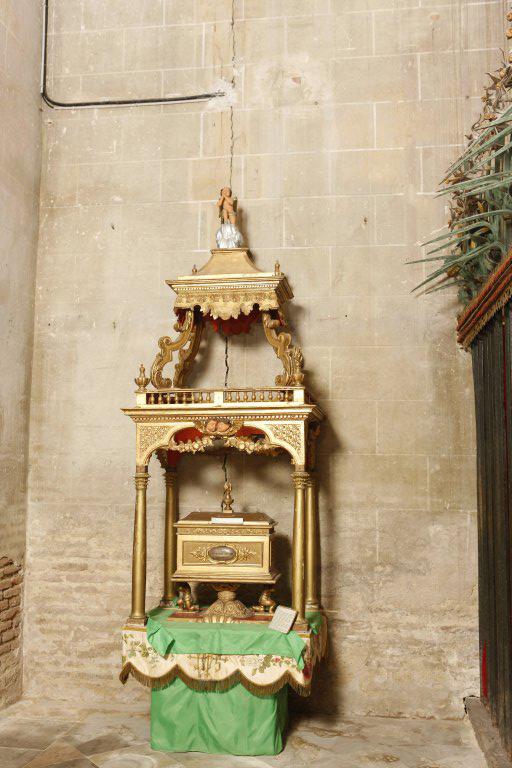 Dais d'exposition et châsse reliquaire de saint Phébade
