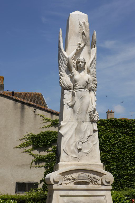 Monument aux morts de la guerre de 1914-1918, de la guerre de 1939-1945 et de la guerre de l'Indochine