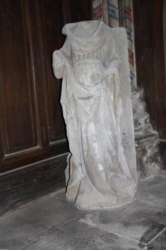 Statue d'une sainte non identifiée