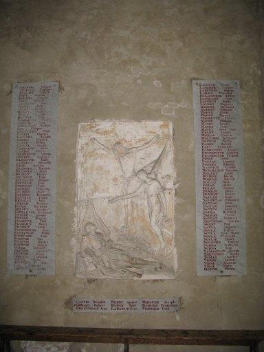 Plaques commémoratives (3) et tableau commémoratif de la guerre de 1914-1918
