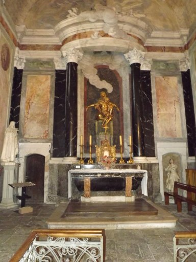 Autel secondaire du Saint-Sacrement, retable, tabernacle, groupe sculpté : Vierge de pitié
