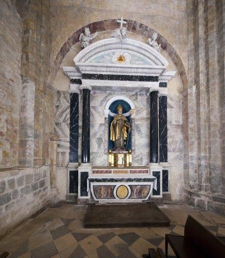 Autel secondaire de saint Lizier, retable, tabernacle, statue : saint Lizier, 6 chandeliers