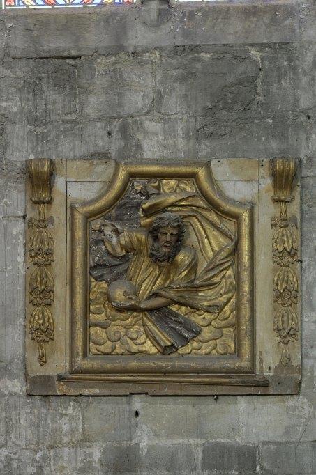 haut-relief, fronton d'un retable : Dieu le Père