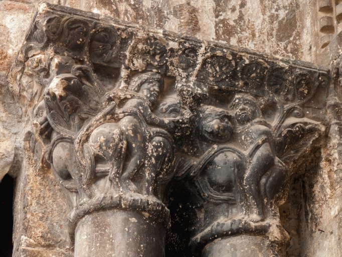 Chapiteaux du portail ouest