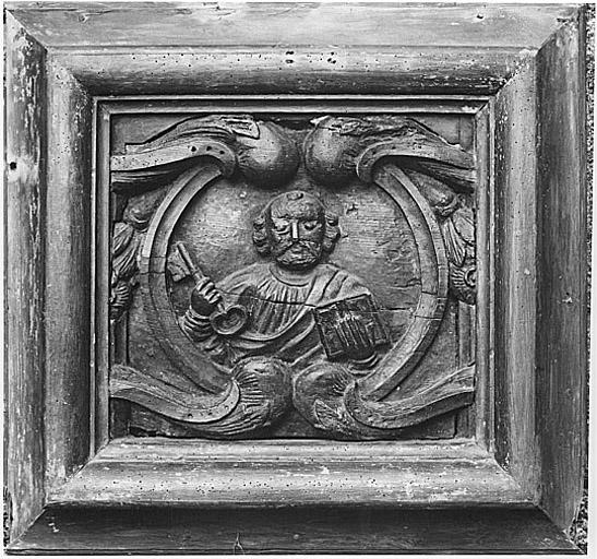 Bas-relief (élément de tabernacle ?) : saint Pierre