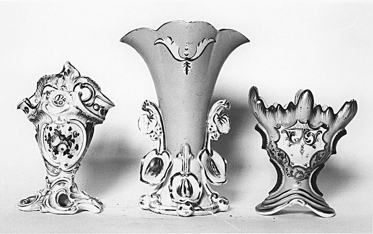 3 vases à fleurs (vases cornets)