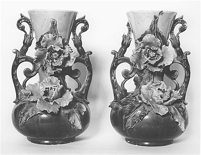 Paire de vases à fleurs