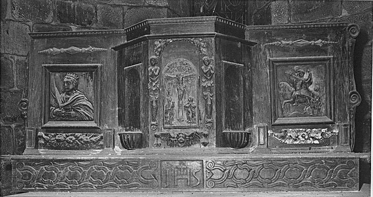 gradin d'autel et tabernacle à ailes