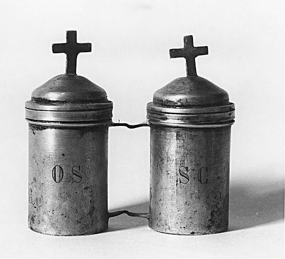 Ampoule à saint chrême et ampoule à huile des catéchumènes