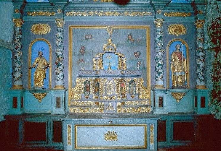 Ensemble du maître-autel (autel, 2 gradins d'autel, 2 tabernacles, exposition, retable, 2 statues)