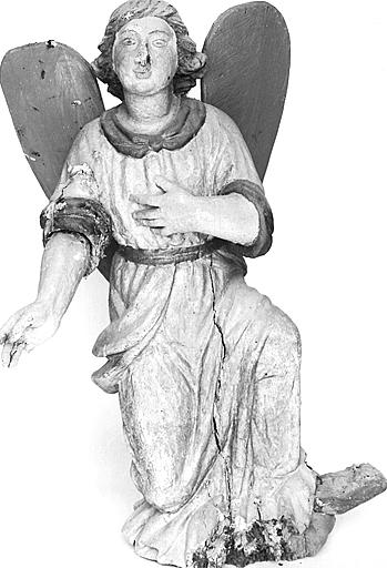 Statuette : ange adorateur