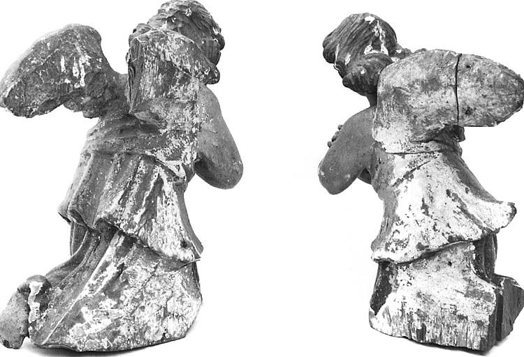 2 statuettes : anges adorateurs