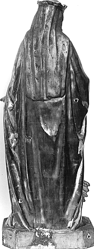 Statue (demi-nature) : sainte Marguerite
