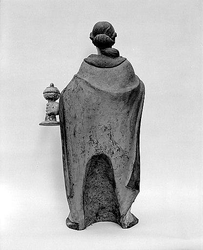Statue (demi-nature) : sainte Madeleine