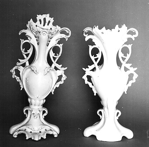 2 vases décoratifs