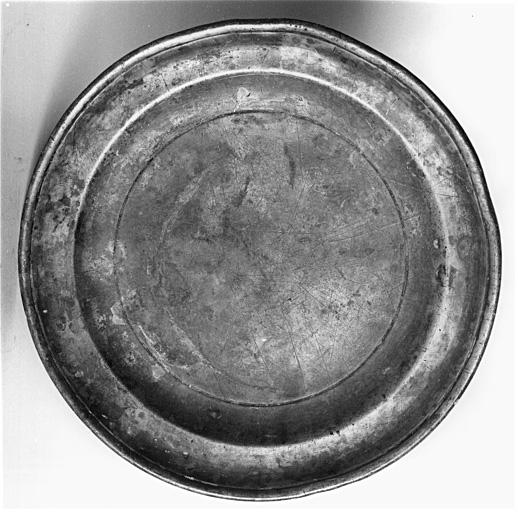 Assiette utilisée comme plat de quête