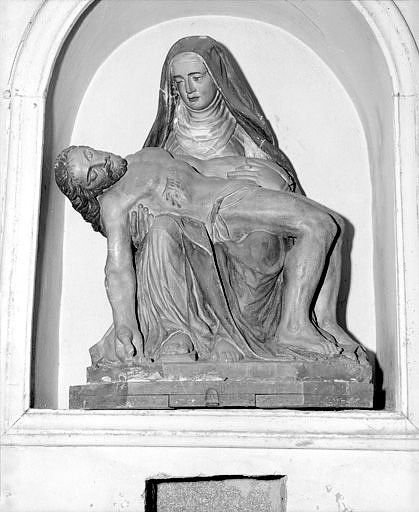 groupe sculpté : Vierge de Pitié, dite Notre-Dame du Deveix