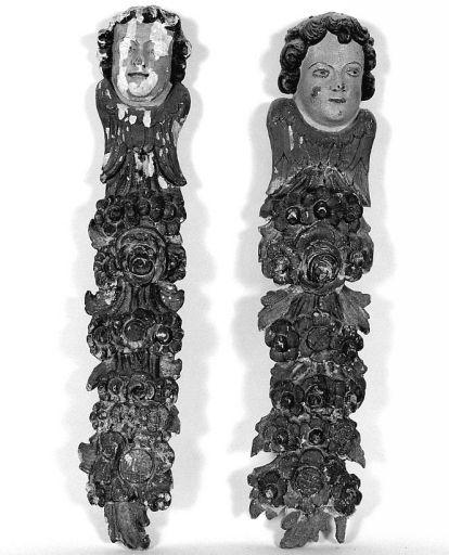Ensemble du maître-autel : tabernacle urne, retable