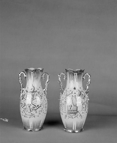 2 vases d'autel