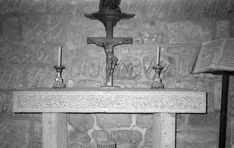 Croix d'autel (crucifix) : Christ en croix