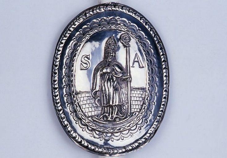 2 panonceaux de cierge de la confrérie de saint Aurélien : saint Aurélien