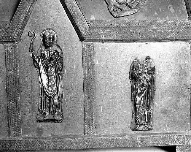 2 éléments de châsses (figures d'applique) : évêque, évangéliste ?