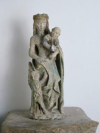 statue (statuette) : Vierge à l'Enfant jouant avec un oiseau