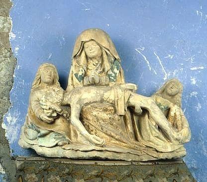 groupe sculpté : Vierge de pitié avec saint Jean et sainte Madeleine