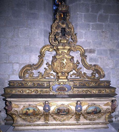 autel, 2 gradins d'autel (ancien maître-autel) et tabernacle urne, exposition (de la chapelle de l'hôpital)