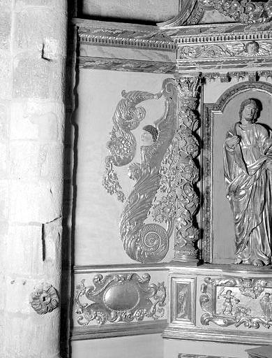 2 statues : saint Prime, saint Félicien, demi-relief : la Remise des clefs à saint Pierre, 2 bas-reliefs : Martyre de saint Prime et de saint Félicien