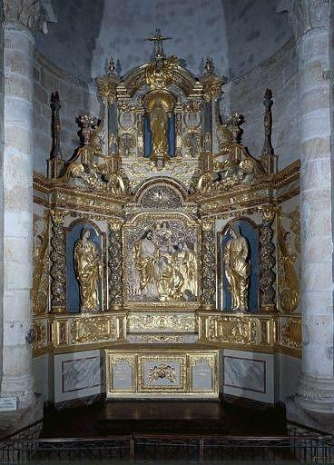 ensemble du retable de la remise des clefs à saint Pierre (retable, 3 statues, demi-relief, 2 bas-reliefs)
