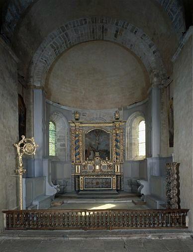 clôture de choeur, suspension eucharistique et ensemble du maître-autel