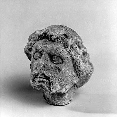 Statue (tête de statue) : Christ mort