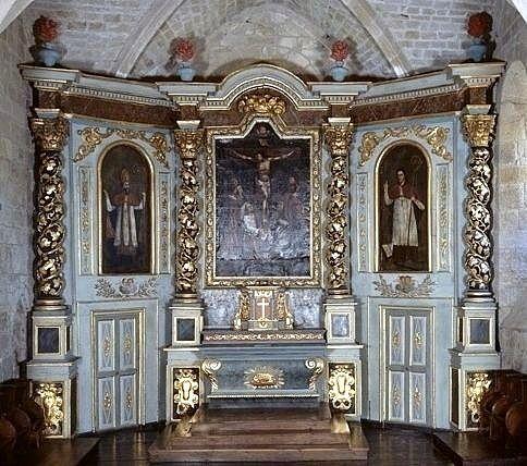 retable (retable architecturé), 3 tableaux : Calvaire avec sainte Madeleine et un religieux agenouillé, saint évêque, saint abbé