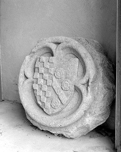 manteau de cheminée aux armes des Beaufort Ventadour