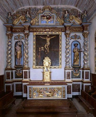 autel, gradin d'autel, tabernacle, exposition, retable, tableau : Calvaire, 2 statues : saint Christophe et saint Jacques le Majeur