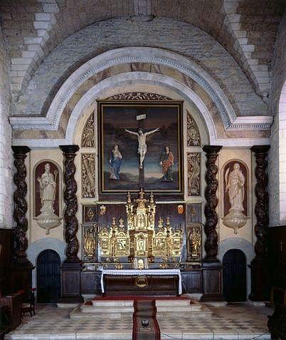 Ensemble du maître-autel (autel, 2 gradins, 2 tabernacles, exposition, retable)