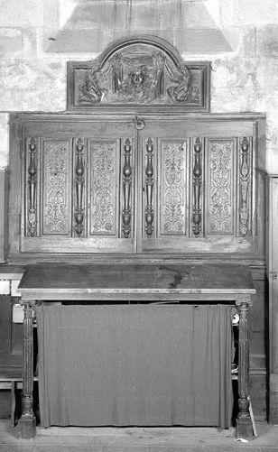 ensemble de panneaux sculptés et de colonnettes formant retable dit retable de la Sainte-Face