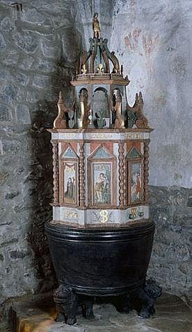 ensemble des fonts baptismaux (cuve baptismale, couvercle des fonts baptismaux)