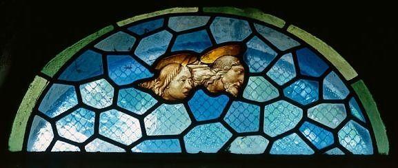 Panneau de verrière : deux têtes de personnages (baie 5)