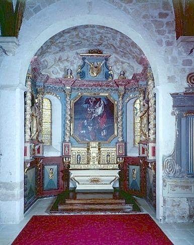 ensemble du maître-autel (autel, gradin d'autel, tabernacle, retable, tableau, 2 statues, peinture monumentale)