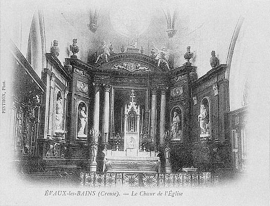 Ensemble du décor de choeur (retable, tableau, 7 statues, clôture de choeur, stalles)