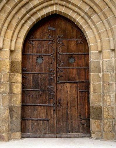 5 pentures et 5 ferrures (fausses pentures) du portail occidental